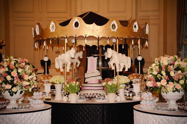 chá-de-cozinha rosa preto branco