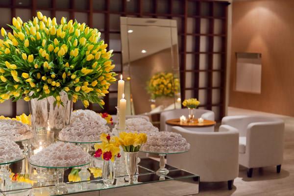 decoração de casamento amarelo branco