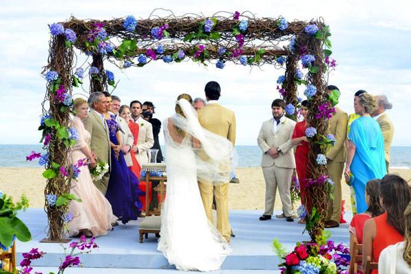 casamento-punta-del-este-adriana-helu-vestido-emannuelle-junqueira-02