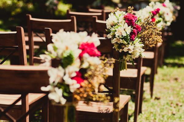 casamento-jardim-decoracao-cadeiras-cerimonia-01