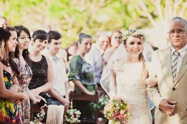 casamento-moderninho-cerimonia-jardim-01