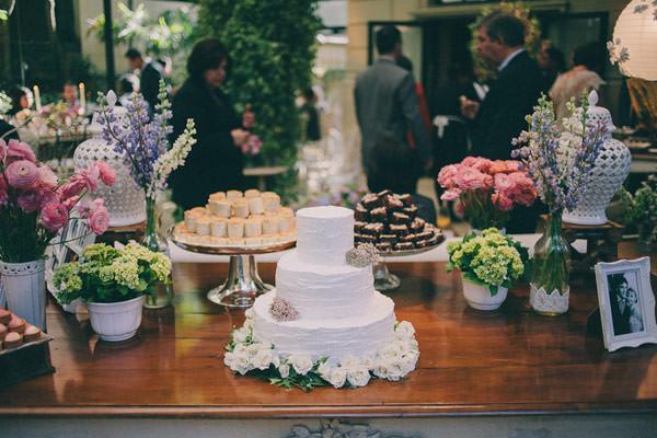 mesa-de-doces-bolo-casamento-moderninho-01