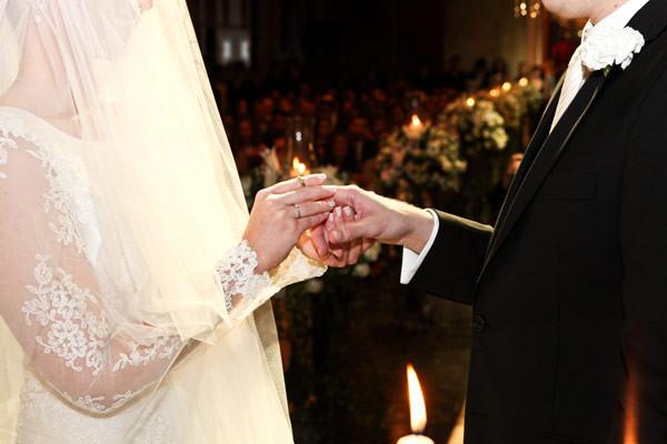 casamento-judaico-troca-aliancas