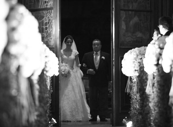 entrada-noiva-igreja-foto-cissa-sannomyia