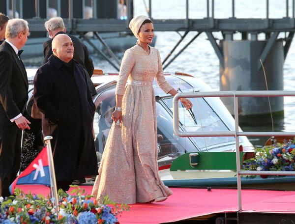 princesa-vestido-passeio-barco-coroacao-holanda-01