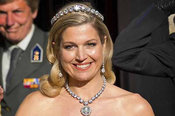 tiara-diamantes-princesa-maxima-coroacao-jantar-gala-pre-01