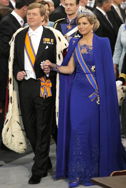 vestido-azul-princesa-maxima-rainha-coroacao-holanda-03