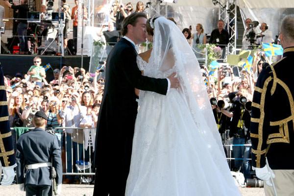 casamento-princesa-madeleine-suecia-beijo