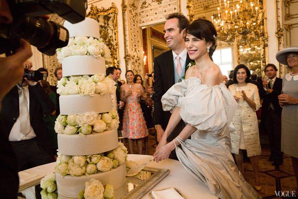 casamento-caroline-sieber-vestido-chanel-corte-bolo