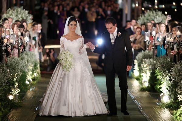 casamento-maria-camilla-e-luiz-felipe-brasilia-entrada-noiva