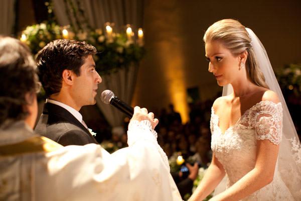 casamento-bruna-paraiso-vestido-de-noiva-wanda-borges-foto-flavia-vitoria-05