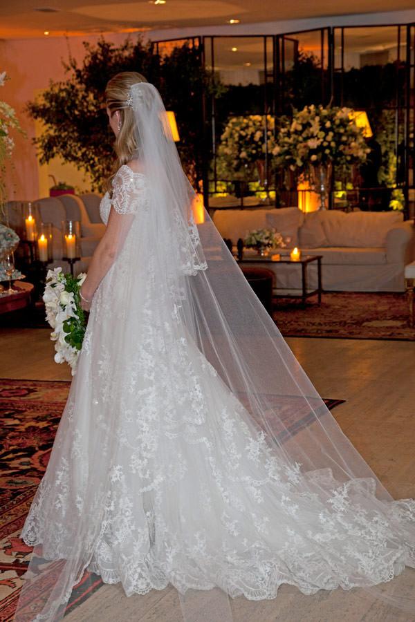 casamento-bruna-paraiso-vestido-de-noiva-wanda-borges-foto-flavia-vitoria-12