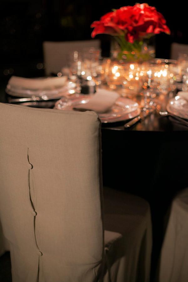 decoracao-casamento-moderno-minimalista-cadeira-cem-por-cento-eventos-11