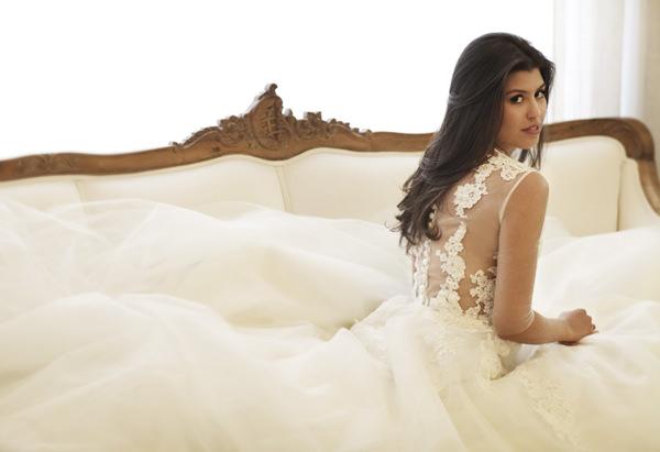 vestido-de-noiva-detalhe-costas-transparencia-renda-lucas-anderi-01
