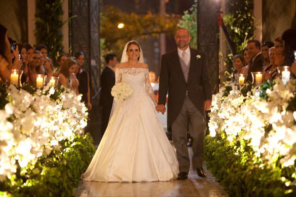 casamento-bruna-pacifico-fotografia-flavia-vitoria-cissa-sannomiya-entrada-noiva-igreja