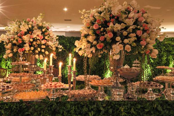casamento-bruna-pacifico-mesa-de-doces-lais-aguiar