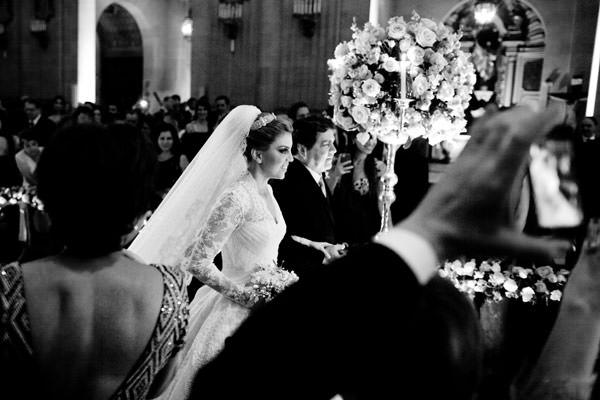 entrada-casamento-igreja-pai-vestido-de-noiva-sandro-barros-02