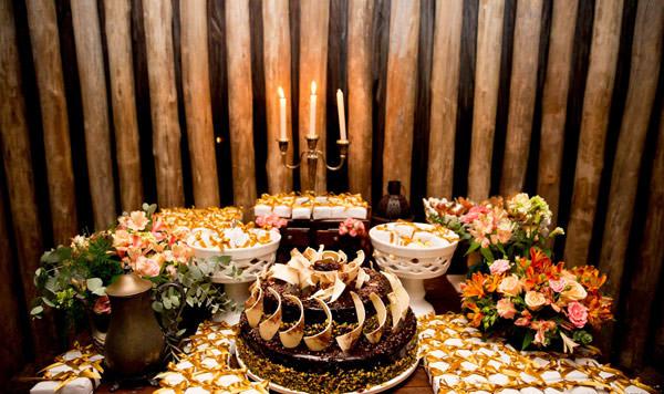Casamento-Giselle-Itie-e-Emilio-Dantas-mesa-doces-kykah-1