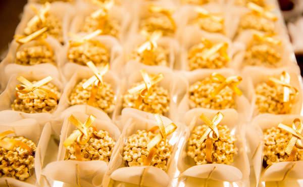 Casamento-Giselle-Itie-e-Emilio-Dantas-mesa-doces-kykah-5