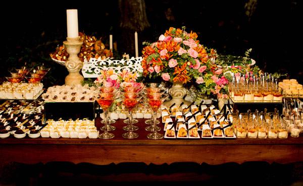 Casamento-Giselle-Itie-e-Emilio-Dantas-mesa-doces-kykah-8