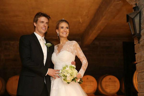 casamento-classico-rio-grande-do-sul-scards-vestido-de-noiva-lucas-anderi-10