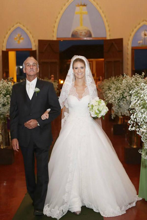 casamento-classico-rio-grande-do-sul-scards-vestido-noiva-lucas-anderi-3