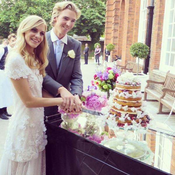 casamento-poppy-delevingne-naked-cake-bolo