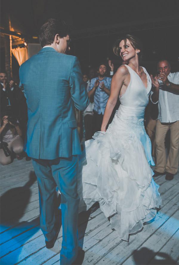 casamento-praia-ilhabela-vestido-de-noiva-emannuelle-junqueira-31