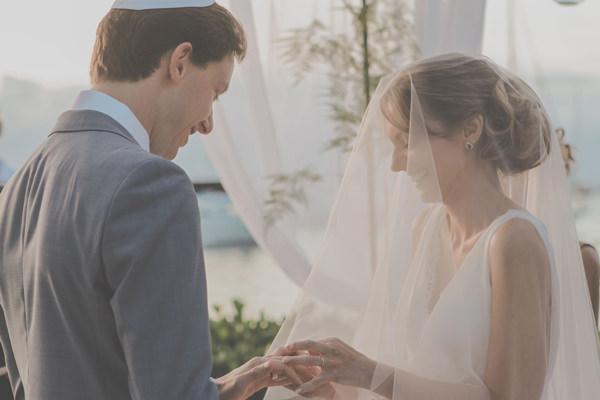 casamento-praia-ilhabela-vestido-de-noiva-emannuelle-junqueira-7