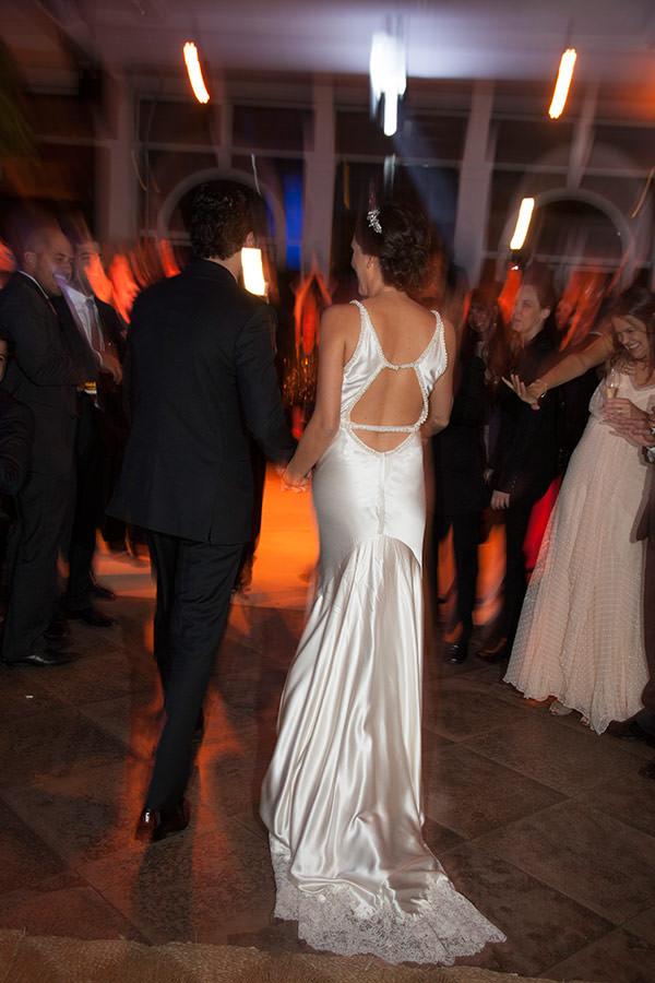 casamento-pia-fotos-flavia-vitoria-cissa-vestido-noiva-cetim-29
