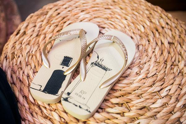 casamento-praia-trancoso-pousada-bahia-bonita-havaianas-personalizadas-23