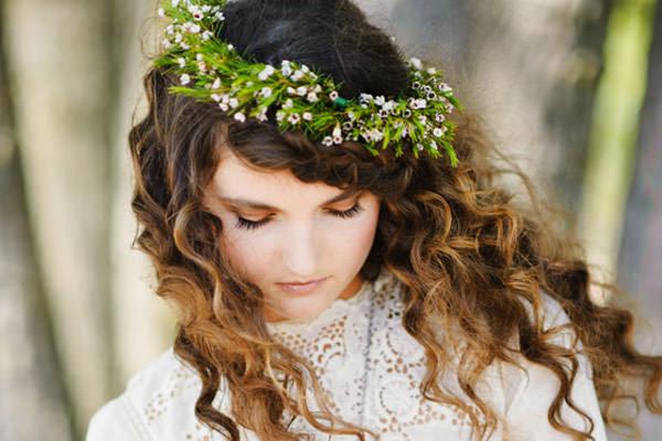 penteado-casamento-campo-cabelo-cacheado-guirlanda-08