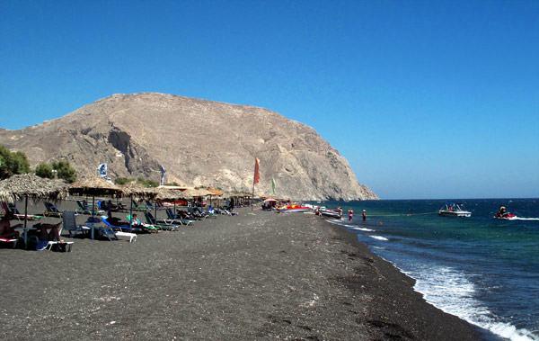 LUA-DE-MEL-TERESA-PEREZ-SANTORINI-Perissa-Beach