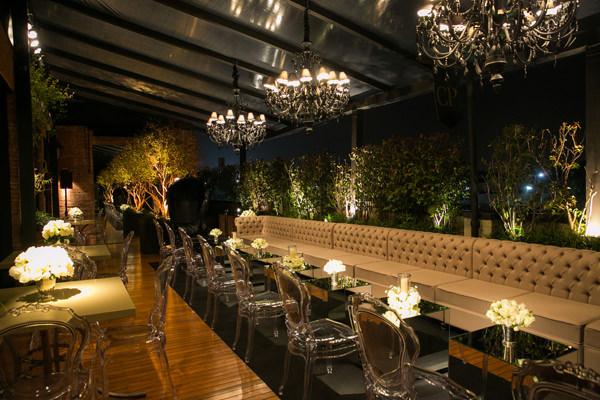 jantar-book-festas-5-casa-petra-decoracao-1-18-project-moveis-100-eventos-flores-andre-pedrotti-buffet-julio-perinetto-02
