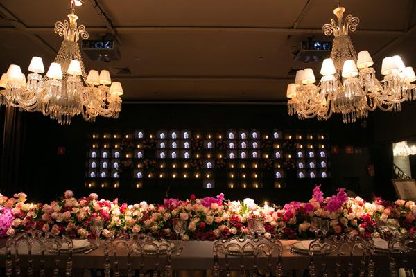 jantar-book-festas-5-casa-petra-decoracao-1-18-project-moveis-100-eventos-flores-andre-pedrotti-buffet-julio-perinetto-05