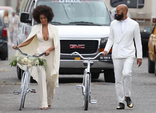 casamento-solange-knowles-e-Alan-Ferguson-macacao-bicicleta-02