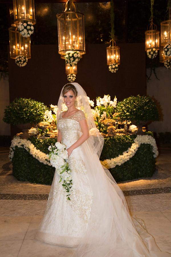 casamento-giovanna-teixeira-vestido-de-noiva-dourado-demi-queiroz