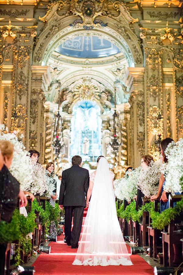 casamento-livia-abrao-rio-de-janeiro-vestido-noiva-mariana-kuenerz-02