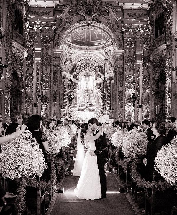 casamento-livia-abrao-rio-de-janeiro-vestido-noiva-mariana-kuenerz-07