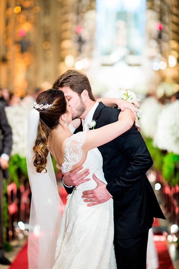 casamento-livia-abrao-rio-de-janeiro-vestido-noiva-mariana-kuenerz-08