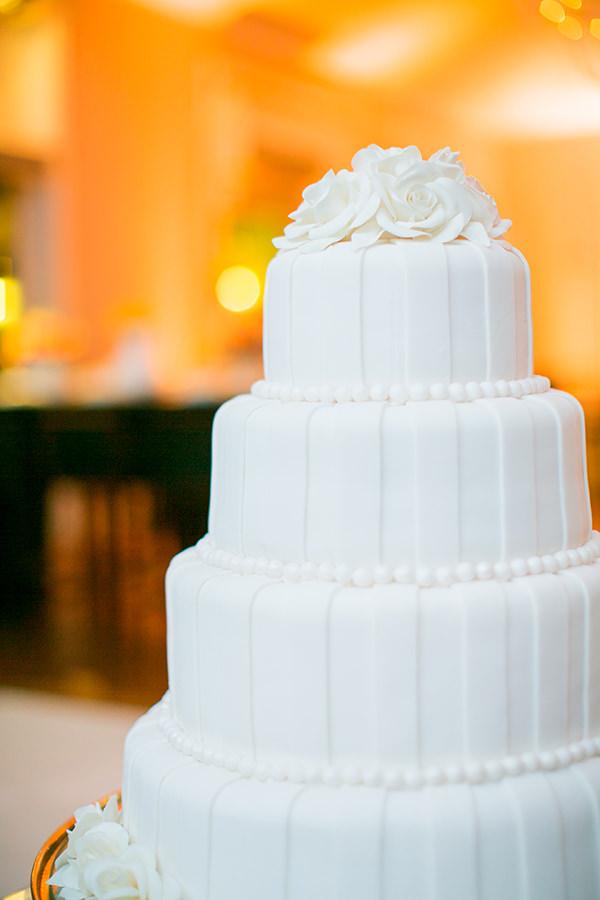 casamento-livia-abrao-rio-de-janeiro-vestido-noiva-mariana-kuenerz-10