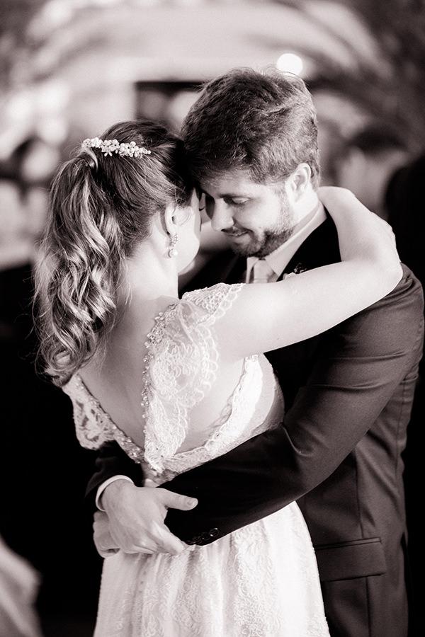 casamento-livia-abrao-rio-de-janeiro-vestido-noiva-mariana-kuenerz-19