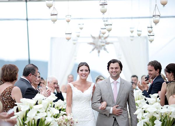 casamento-praia-juquehy-vestido-noiva-pronovias-decoracao-flor-forma-fotos-Mel-e-Cleber-11