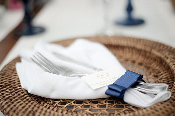 casamento-praia-juquehy-vestido-noiva-pronovias-decoracao-flor-forma-fotos-Mel-e-Cleber-18