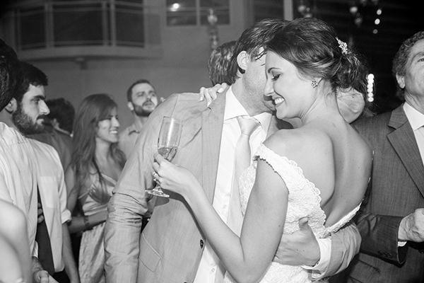 casamento-praia-juquehy-vestido-noiva-pronovias-decoracao-flor-forma-fotos-Mel-e-Cleber-27