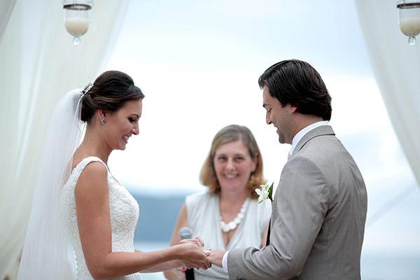 casamento-praia-juquehy-vestido-noiva-pronovias-decoracao-flor-forma-fotos-Mel-e-Cleber-8