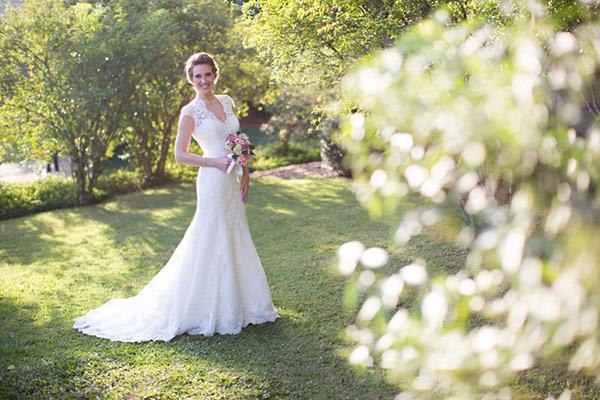 casamento-rio-de-janeiro-foto-isabel-machado-jardim-vestido-de-noiva-renda