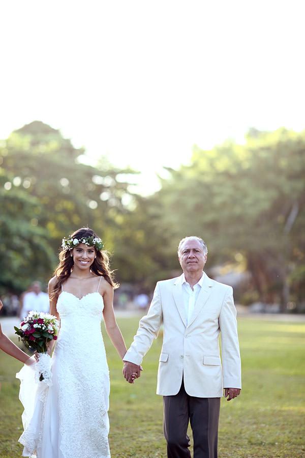 casamento-trancoso-praia-noiva-guirlanda