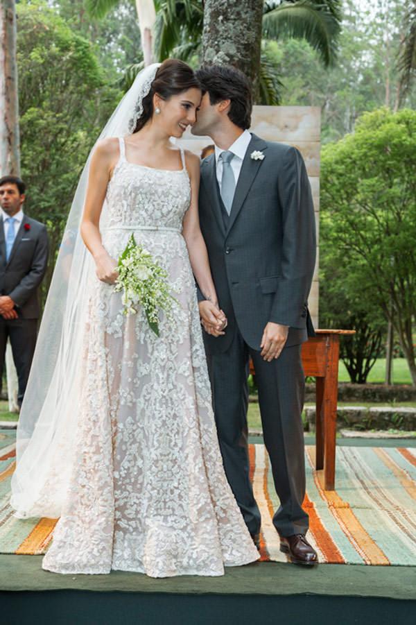 casamento-fazenda-vila-rica-vestido-de-noiva-elie-saab-10