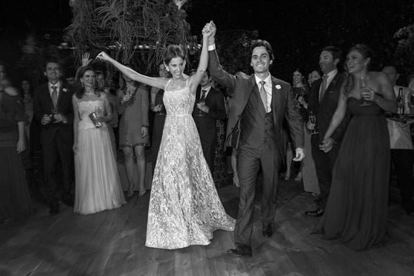 casamento-fazenda-vila-rica-vestido-de-noiva-elie-saab-25